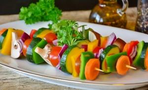 Gemüsespieße. Wichtige Ernährung für die Erhaltungsphase